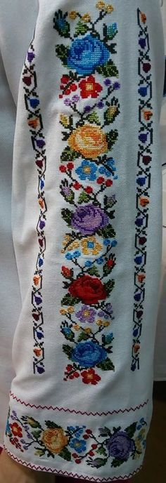 9 Tips for knitting – By Zazok Cross Stitch Art, Cross Stitch Borders, Cross Stitch Flowers, Cross Stitch Designs, Cross Stitching, Cross Stitch Patterns, Polish Embroidery, Hand Work Embroidery, Beaded Embroidery