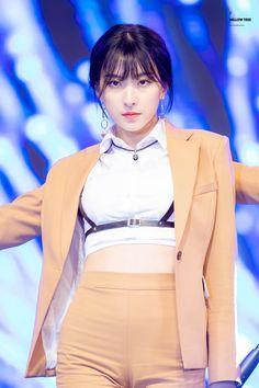 Yuehua Entertainment, Starship Entertainment, Kpop Girl Groups, Kpop Girls, Bubblegum Pop, Air Force Blue, Cheng Xiao, Space Girl, Cosmic Girls