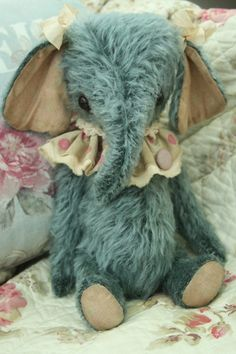 by rotna on etsy...this may be the cutest stuffed toy ever!