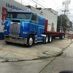 Big Rig Trucks, Semi Trucks, Cool Trucks, Cool Cars, Freightliner Trucks, Peterbilt, Cab Over, Motorhome, Tumblr