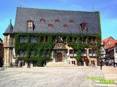 Rathaus Quedlinburg © AugustusTours auf https://www.augustustours.de/de/wanderreisen/harz/harzer-hexen-stieg.html