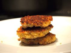Easy Quinoa cakes! Go to the site for lots of kid friendly healthy food.