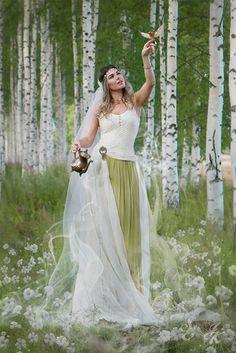 Wix Pro Gallery Migratory Birds, Sansa, Photo Projects, Tulle, Autumn, Graphic Design, Seasons, Wedding Dresses, Spring