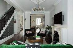 House Tour: A Classic Brooklyn Brownstone's Modern Reno Brownstone Interiors, Brownstone Homes, Brooklyn Brownstone, West Home, Dining Room Lighting, Exterior Paint, E Design, Modern Interior, Modern Townhouse Interior