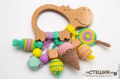 "Купить Грызунок-погремушка ""Бегемот-сладкоежка"", прорезыватель, развивашка - грызунок, грызунок-прорезыватель, грызунок можжевеловый Newborn Gifts, Baby Gifts, Crochet Toys, Crochet Baby, Baby Teethers, Handmade Toys, Baby Toys, Ootd, Quilts"