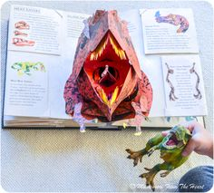 T-Rex. Encyclopedia Prehistorica: Dinosaurs pop-up book