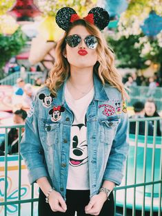 Saukiee Oversized Denim Jacket Distressed Boyfriend Jean Coat Jeans Trucker Jacket for Women Girls, Light Blue, M (Bust: Shoulder: – The Fashion Mart Disney World Outfits, Cute Disney Outfits, Disneyland Outfits, Cute Outfits, Disneyland Outfit Summer, Disney Inspired Outfits, Disney Style, Denim Jacket Patches, Denim Jackets