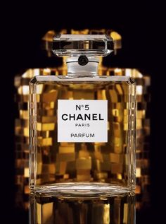chanel is my love. I am obsessed with chanel.c – Parfume woman Perfume Chanel, Amo Perfume, Perfume And Cologne, Perfume Bottles, Perfume Scents, Chanel Makeup, Beauty Makeup, Coco Chanel, Chanel No 5