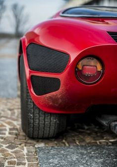 "itsbrucemclaren: ""——— the Alfa Romeo Tipo 33 Stradale ————- """