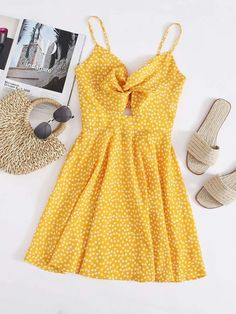 Cute Yellow Floral Print Twist Front Knotted Cami Summer Dress Women's. Women's Yellow Floral Twist Front Mini Sundress. #summerfashion #summerstyle #summervibes #fashionstyle Cute Yellow Dresses, Yellow Sundress, Yellow Dress Summer, Front Knot Dress, Yellow Fashion, Glamour, Ditsy Floral, Moda Online, Summer Dresses For Women
