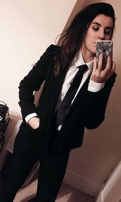 Ideas For Womens Black Suit Business White Shirts Prom Outfits, Tomboy Outfits, Business Casual Outfits, Tomboy Fashion, Professional Outfits, Teen Fashion Outfits, Stylish Outfits, Girl Outfits, Prom Suit Girl