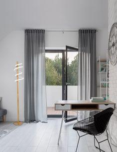Édesítsd meg a mindennapokat ezzel a mézkanalak különleges formavilágát idéző állólámpával. Curtains, Design, Home Decor, Products, Blinds, Decoration Home, Room Decor, Draping