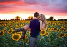 Such a cute country couple photo - jana Country Couple Photos, Cute Country Couples, Cute Couple Pictures, Engagement Photo Poses, Engagement Pictures, Engagement Photography, Couple Photoshoot Poses, Couple Photography Poses, Sunflower Field Pictures