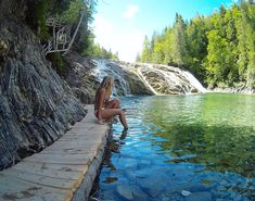 You absolutely have to go swimming in this natural turquoise water pool in Quebec - Narcity Camping Quebec, Places To Travel, Places To See, Ontario Parks, Canadian Travel, Camping World, Quebec City, Adventure Is Out There, Summer Pictures