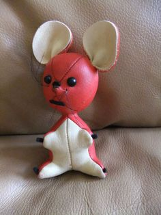 """Vintage Toy Red White Leather Vinyl Mouse 6"""" Tall   mine was brown and his head kept twisting off his neck"""