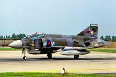 Phantom FGR 2. 19 Sq. RAF Wildenrath, Germany. Sept. 1984 photo : Marinus Dirk Tabak Aircraft Photos, Ww2 Aircraft, Fighter Aircraft, Fighter Jets, Military Jets, Military Aircraft, Post War Era, F4 Phantom, British Armed Forces