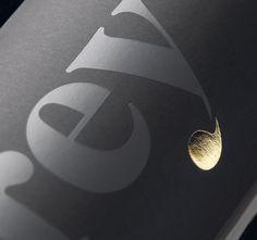 Brand and packaging for an exclusive extra virgin olive oil / Marca y packaging para un exclusivo aceite de oliva virgen extra  Client:Karey Agrícola  Awards: AIGA 2011. New York. 365: Design Effectiveness. #Packaging  ESTUDIO MORUBA #Spanish #Design