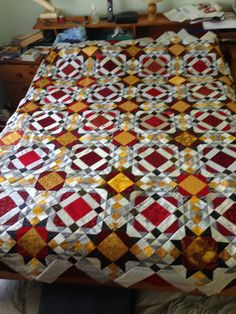 Allietare quilt by Bonnie K Hunter. Mystery quilt Dec 2015 finished Feb 2016. My version of Italy
