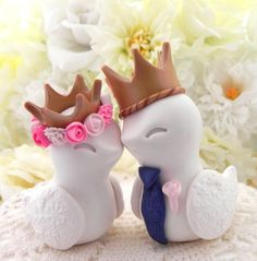 King & Queen Love Birds Wedding Cake Topper White by LavaGifts