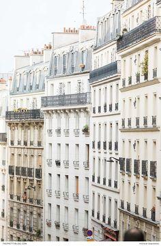 Stroll through the streets of the City of Love with true romantics! Paris Elopement, Romantic Paris, Elopement Inspiration, Wanderlust Travel, Explore, Street, City, World, Wedding