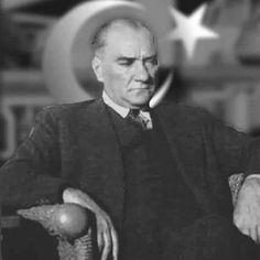 """""""...biz O'nun gövdesine tapan bir putperest değil, ölmez eserine ve mânasına bağlı bir şuuruz. O, kendi vücuduyla beraber kaybolacak fani… Turkish Army, Turkish Men, The Valiant, Royal Monarchy, The Turk, Free Thinker, Fathers Love, Art Base, Great Leaders"""