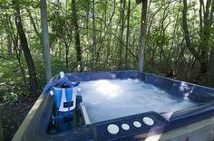 Spa tub rash specifics. http://www.folliculitistreatment.us/hot-tub-rash.html Hot tub/Spa outside Dusty's Cabin