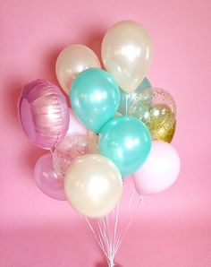 Pastel giant balloon bouquet | Confetti balloons