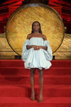 Dina Asher-Smith arrives at The Fashion Awards 2018 In Partnership With Swarovski at Royal Albert Hall on December 2018 in London, England. Get premium, high resolution news photos at Getty Images Dina Asher Smith, Jessica Ennis, Royal Albert Hall, Greater London, Pretty Makeup, African Women, Black Beauty, Athletics, London England