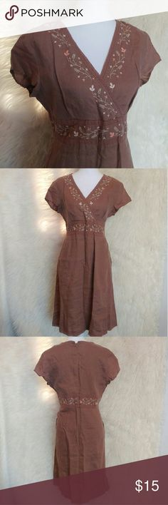 J. Jill dress Beautiful J.Jill dress with a stitched on flower design Size 12P  Muted brown, blush pink flowers with taupe vines Comes with pockets and zipper down back Excellent condition J. Jill Dresses Midi