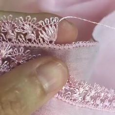 Embroidery Tips LEarn Embroidery ! step by step ! Hand Embroidery Videos, Embroidery Works, Creative Embroidery, Learn Embroidery, Silk Ribbon Embroidery, Hand Embroidery Designs, Cross Stitch Embroidery, Embroidery Patterns, Couture Embroidery