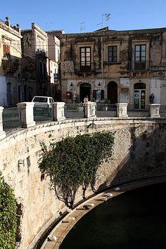 Fountain of Arethusa; Island Ortigia, Syracuse, Italy