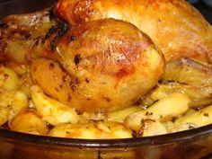 Poulet rôti à l'ail et aux pommes de terre rattes