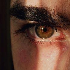 Всем добрый вечер,решил показать свои глаза ,а каково цвета глаза у вас,ведь вас много??  Photo my eye