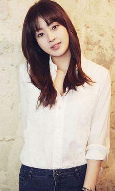 News Rain Siap Bermesraan Dengan Kang Sora Female Actresses, Korean Actresses, Korean Actors, Gorgeous Eyes, She Was Beautiful, Pretty Asian, Beautiful Asian Women, Korean Women, Korean Girl