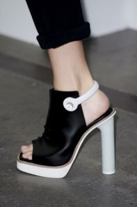 #shoes #blackandwhite #lamodamuerejoven #fashionblog #blog