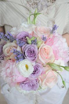 Pastel wedding flower bouquet // Bukiet ślubny w pastelowych kolorach