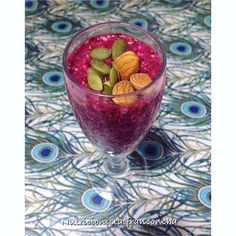 Desayuno saludable, fácil y rico  { Pudding de mix de semillas + cranberry @nativ_forlife } . 1️⃣Es muy fácil! Junta semillas de chía, sésamo, harina de linaza y avena . 2️⃣Agrega un chorrito de agua y deja reposar 20 minutos . 3️⃣Agrega gotitas de estevia y 2 cucharaditas de cranberry de @nativ_forlife decora con almendras y semillas de zapallo y listo!  el lindo individual es de @elpapeldetumesa . #nutricion #nutricionista #saluble #salud #sonrie #vivesano #happyday #fit #fitness  #r...