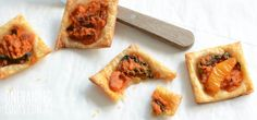 Roast vegetable tartlets for kids are very simple to make and take full advantage of the naturally sweet flavour of roasted veggies Kale Chip Recipes, Baby Food Recipes, Cooking Recipes, Toddler Recipes, Kid Recipes, Free Recipes, Snack Recipes, Healthy Meals For Kids, Kids Meals