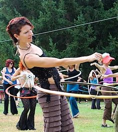 Body Rocking Hoop Dance is all about hooping on the body and dancing with your hoop. Philo Hagen tells us how to bring that art into your hooping experience. Outdoor Events, Outdoor Fun, Dance Workshop, Circus Art, Fire Art, St Louis Mo, Modern Dance, Stay Young, Pictures Of People