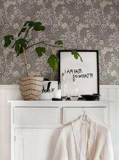 William Morris wallpaper in the lovely swedish home of Anna Kvarnström.