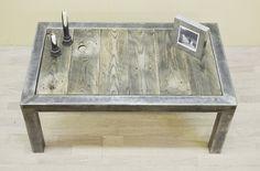 Кофейный столик в стиле лофт из амбарной доски