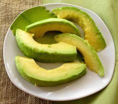 コレステロールを下げるためにどんな果物を食べることができますか