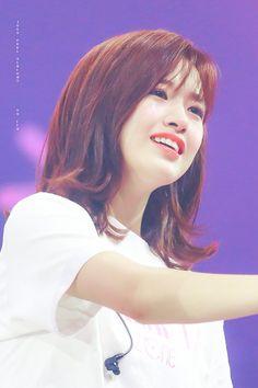 แฮชแท็ก #안유진 ในทวิตเตอร์ Yuri, Gfriend Sowon, Fandom, Japanese Girl Group, Korean Celebrities, Female Singers, The Wiz, Korean Singer, Kpop Girls