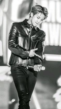 BTS RM // namjoon why u wanna kill me ? Jung Hoseok, Kim Namjoon, Kim Taehyung, Seokjin, Bts Rap Monster, Jimin, Bts Bangtan Boy, Bts Suga, Foto Bts
