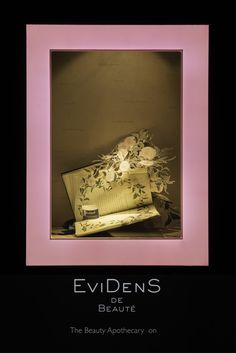 HARRODS POP UP FLOWER CAMPAIGN | EviDenS Window Display | May 2015 by Millington…