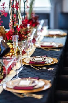 Red, gold and black, love this modern striking wedding color palette. Click to see more details of this gorgeous wedding; photo: Urban Safari Photography