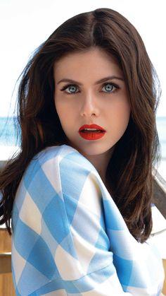 Alexandra Daddario #Alexandario #HotCelebs #BrunetteBabes