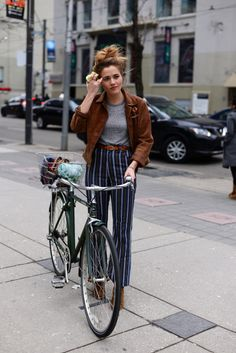 via velondonista.com Stylish bike cyclist stripes bomber jacket tee