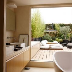 Bathroom connected to the balcony