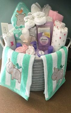 DIY gift ideas - easy and cheap baby shower gifts to make